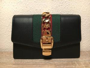 Gucci Sylvie Mini-Tasche aus Leder mit Kette *NEU*