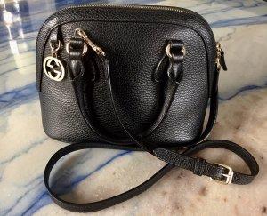 Gucci Tasche aus schwarzem Leder