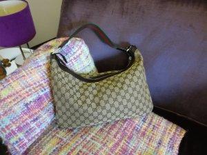 Gucci Tasche im absolut neuwertigen Zustand