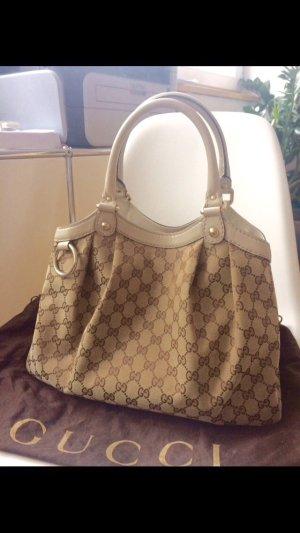 Gucci Tasche Sukey in der Farbe creme