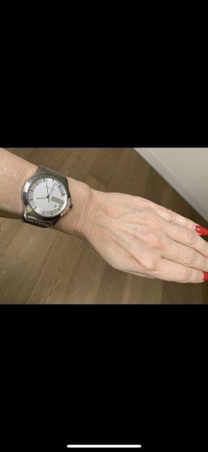 Gucci Reloj con pulsera metálica blanco-color plata