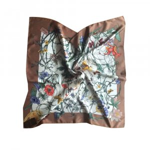 Gucci Tuch aus Seide, Mehrfarbig, Blumenmuster, Neu, 90x90 cm