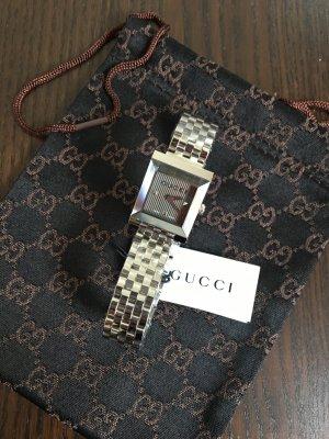 Gucci Orologio con cinturino di metallo nero-argento Metallo