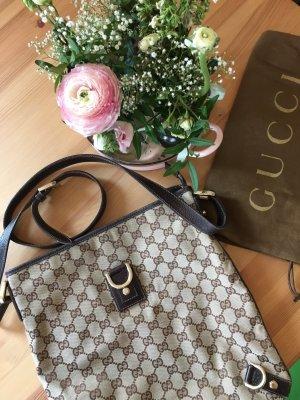 Gucci Umhängetasche im guten Zustand, paar zu jedem Anlass- ein Klassiker