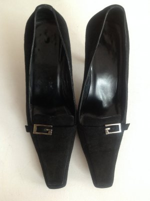 Gucci Pointed Toe Pumps black suede