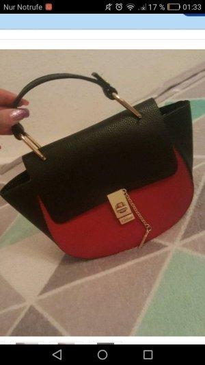 Guees Tasche in Schwarz-Rot