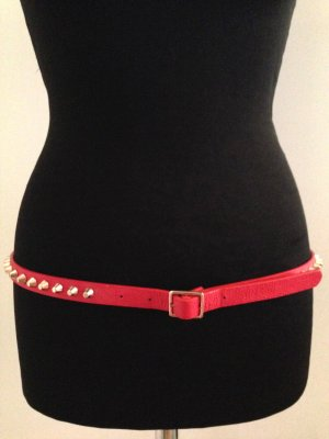 Gürtel von Zara, rot mit goldenen Nieten, Gr. 95