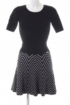 Guess A-Linien Kleid schwarz-weiß Zackenmuster Casual-Look
