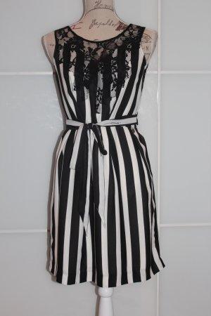 Guess Vestido negro-blanco