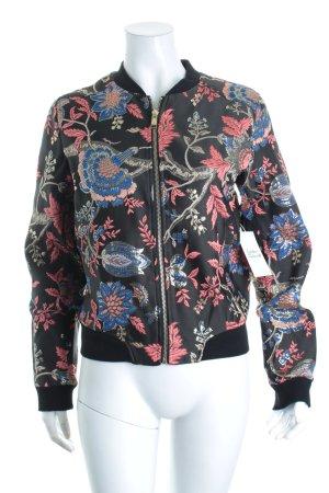 Guess Blusón estampado floral look Street-Style