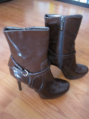 GUESS by Marciano Plateau Boots