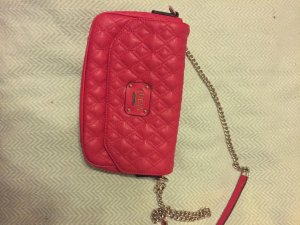 GUESS Clutch in pink