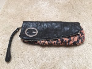 Guess Clutch mit Leopardenmuster