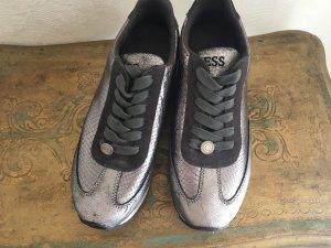 Guess Damen Sneaker Gr 38 Silber Neuwertig
