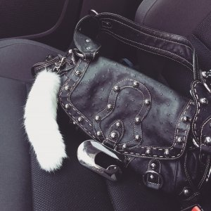 Guess Damenhandtasche // Straußenlederoptik Schwarz