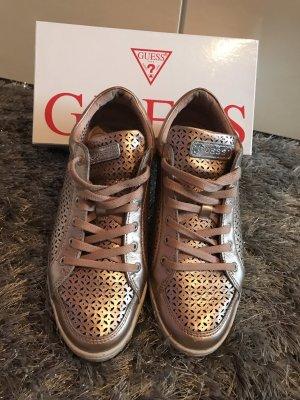 Guess Zapatilla brogue color bronce-color plata