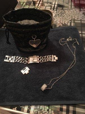 Guess Damenuhr in Silber mit Kette