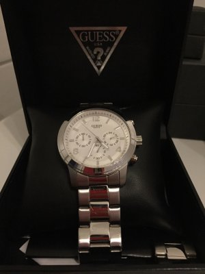 Guess Watch With Metal Strap light grey stainless steel