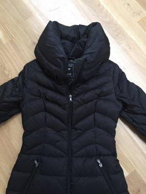 Guess Abrigo de plumón negro tejido mezclado