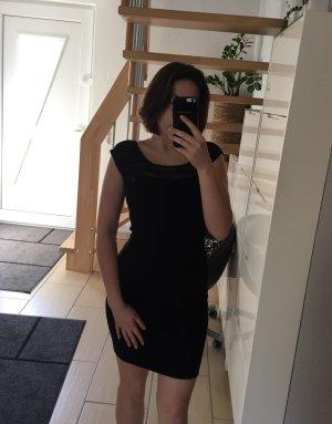 Guess enganliegendes Kleid mit transparentem Dekolleté S
