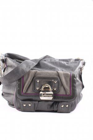 Guess Bolso gris oscuro look Street-Style