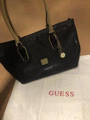 Guess Handtasche mit Anhänger mit Dustbag
