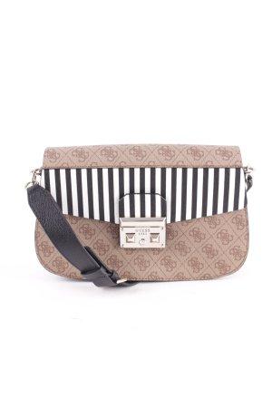 Guess Handtasche Streifenmuster Street-Fashion-Look