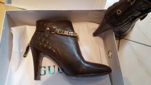 Guess High Heel Stiefelette.