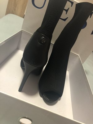 Guess Cut Out Booties black