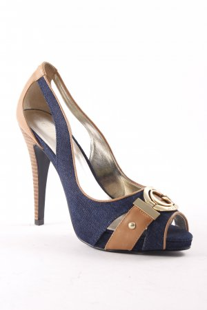Guess High Heels dunkelblau-hellbraun Logo-Applikation aus Metall