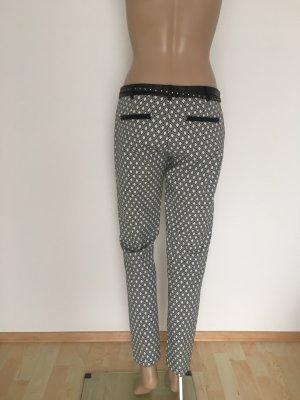 Guess Hose Luxus Designer schwarz weiß Muster gemustert Anzughose Stoffhose Hose 29 ankle schmal bequem figurbetont