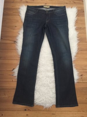 GUESS Jeans in dunkler Waschung