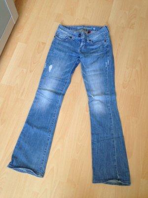 Guess Jeans mit Schlag Gr. 27