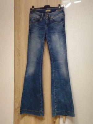 Guess Jeans neuwertig Gr. 25 (DE Gr. 32)