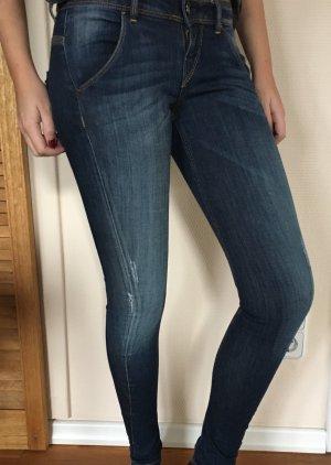 Guess Jeans Rocket Skinny in Gr. 24