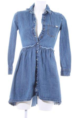 Guess Vestido vaquero azul aciano look Street-Style