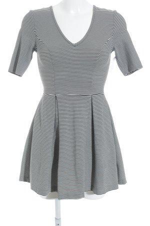 Guess Jerseykleid schwarz-weiß Streifenmuster Beach-Look