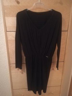 Guess Vestido de manga larga negro tejido mezclado