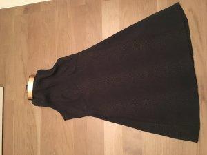 GUESS Kleid mit goldenem Hals und tollem Rückenausschnitt (ungetr.)
