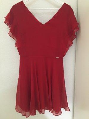 GUESS Kleid. Schön und neu!