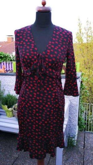 Guess Kleid schwarz rot Kussmund Lippen Gr. S