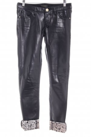 Guess Lederhose schwarz-altrosa Leomuster Party-Look