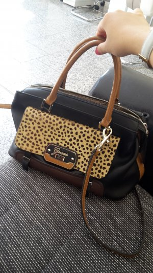 Guess Bolso negro-color bronce