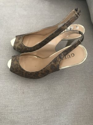 Guess Peep Toe Pumps oker