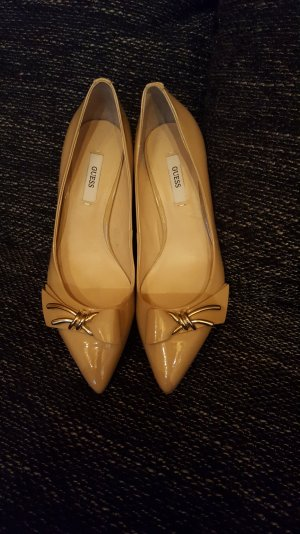 Guess Pumps in Beige