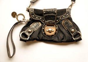 GUESS rockige Handtasche Clutch Abendtasche (variable Henkel) schwarz mit Nieten