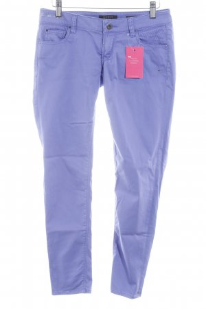 Guess Drainpipe Trousers lilac casual look