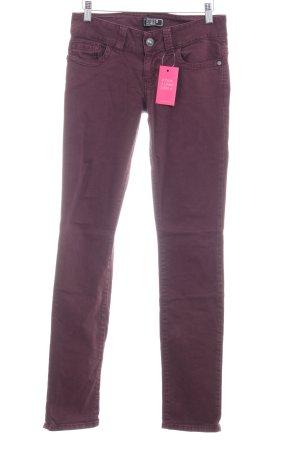 Guess Jeans a sigaretta viola stile casual