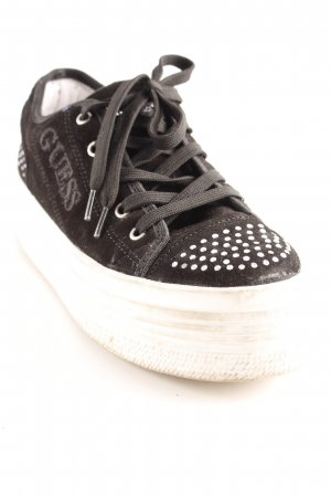 Guess Zapatilla brogue negro look Street-Style