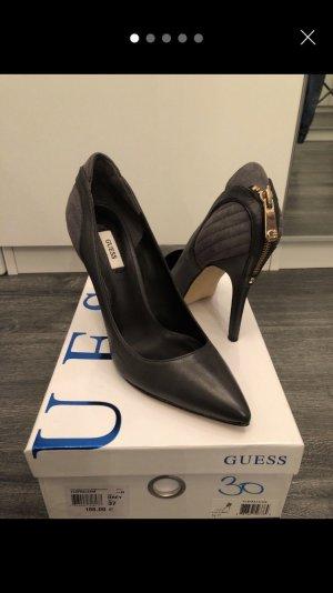 GUESS Schuhe Gr 37 grau